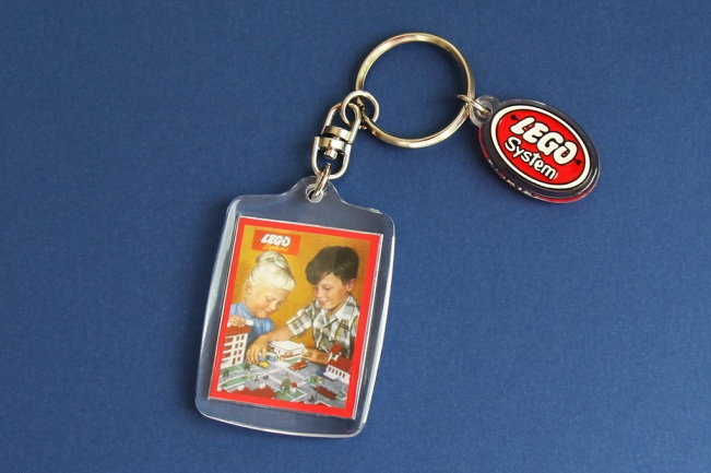 Keyring 1958 - Picture side