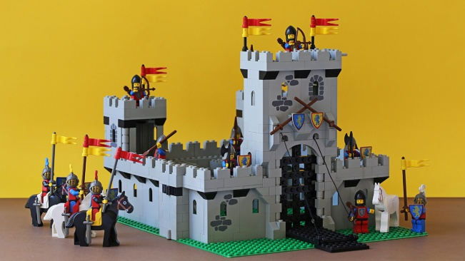 Castle stands (down)
