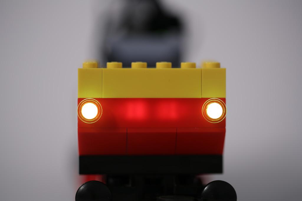12V lights vs. PF lights & 12V lights vs. PF lights (vs. tin-foil) | Quest for Bricks