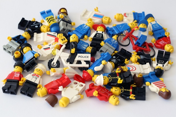 Early minifigures